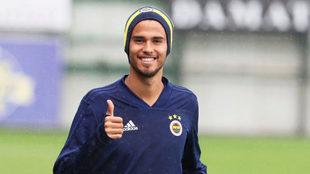 Reyes se perfila como titular en Europa League.