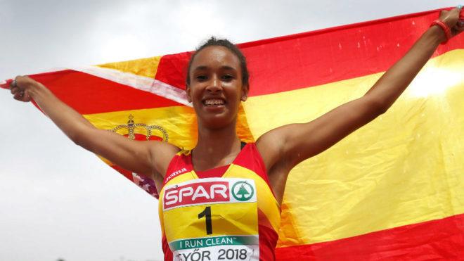 María Vicente celebra su triunfo en la pista de Gyor (Hungría).