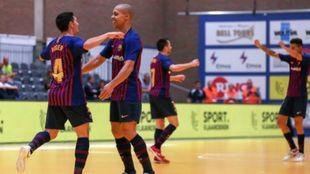 Los jugadores del Barça en un momento del partido
