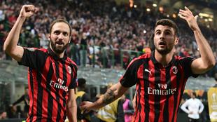 Higuaín y Cutrone, goleadores del Milan ante Olympiacos
