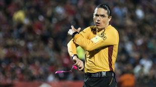 Oscar Macías Romo durante el partido entre Xolos y Pachuca.