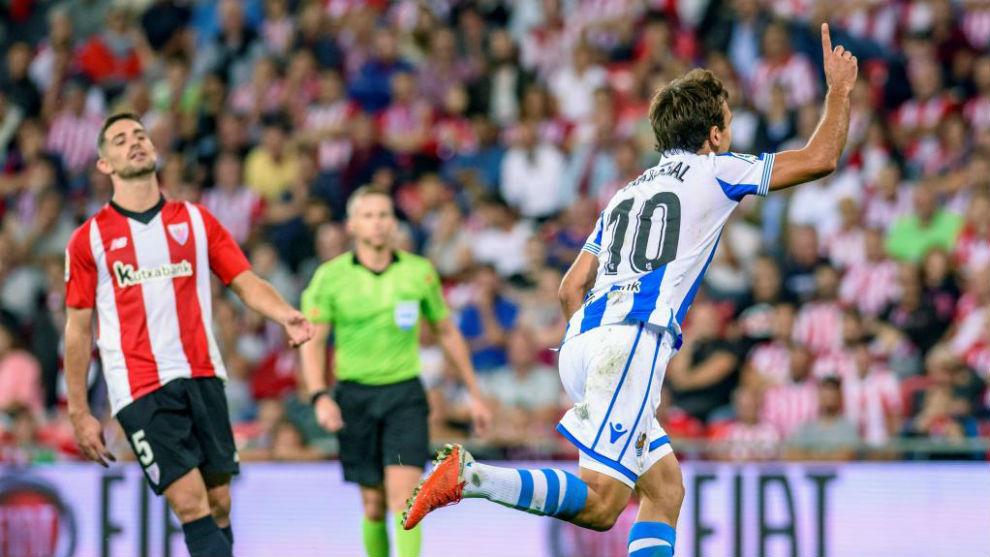 Oyarzabal, celebrando uno de los goles ante el Athletic.