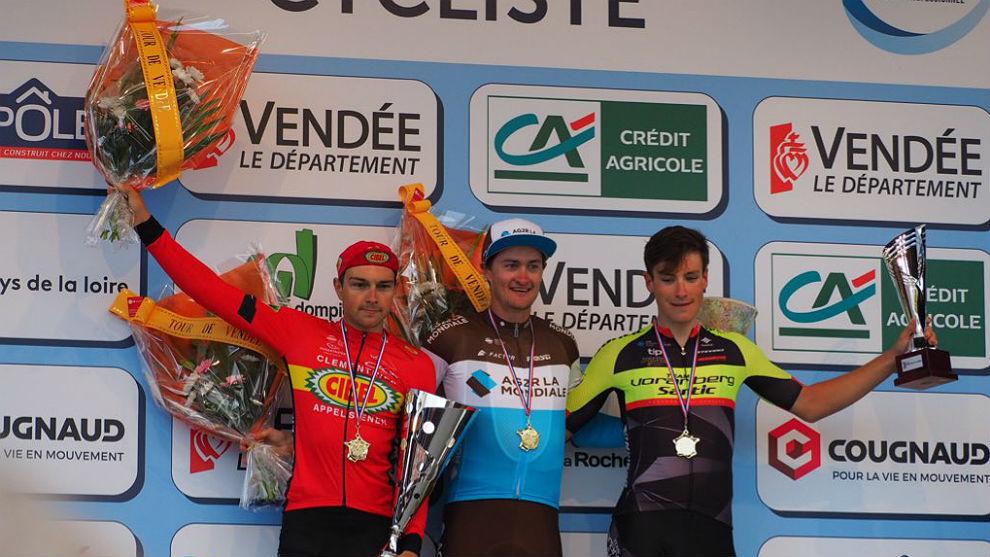 Los tres escapados se repartieron los puestos del podio final.