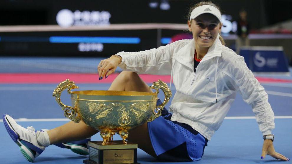 Wozniacki, con el trofeo de campeona