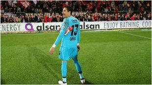 Memo Ochoa, en un partido del Standard.