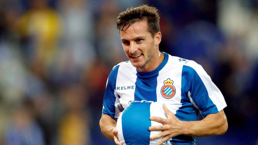 Piatti celebra su gol al Villarreal en el RCDE Stadium