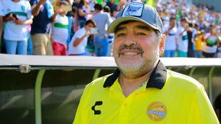Diego Armando Maradona previo al partido ante Zacatepec.