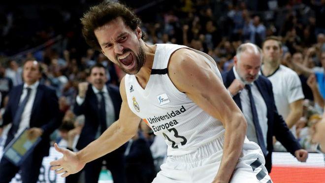 Sergio Llull celebra el triple que sentenció la victoria del Real...