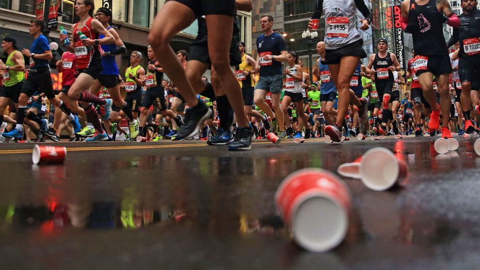Cientos de corredores, durante una carrera.
