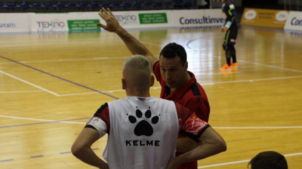 Diego Giustozzi junto a Miguelin durante un partido con ElPozo