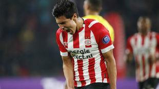Erick Gutiérrez celebra el gol anotado ante el Venlo