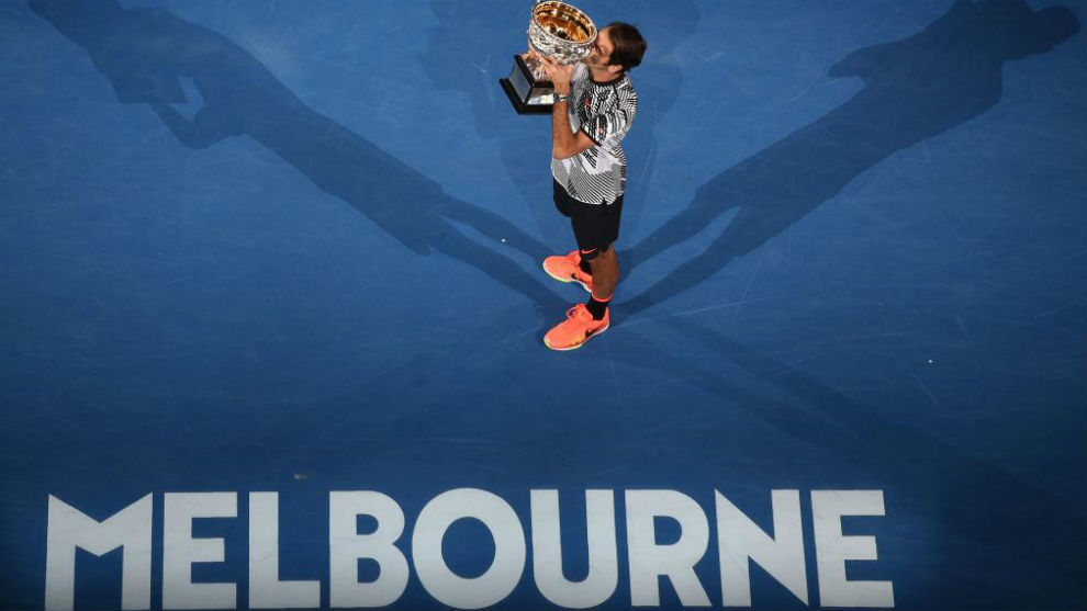 Federer, con el último trofeo de Australia