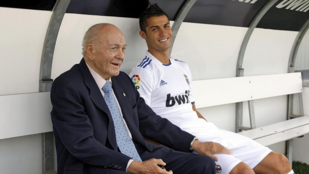 Alfredo Di Stéfano junto a Cristiano Ronaldo en la Ciudad Real Madrid