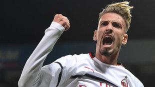 Samu Castillejo está empezando a destacar en la disciplina del Milan.