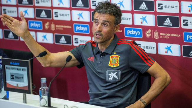 Luis Enrique: Whoever takes advantage of their opportunity will have minutes