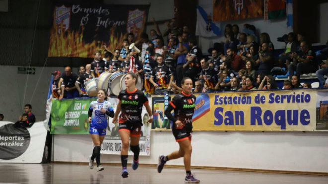 Un momento del partido entre el Atl. Guardés y el Málaga Costa