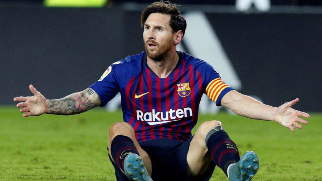 LaLiga Santander - Barcelona: Ballon d'Or poll disappears after Messi goes top - MARCA in English