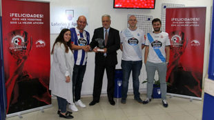 Entrega a la Federación de Peñas Deportivistas del premio a la...
