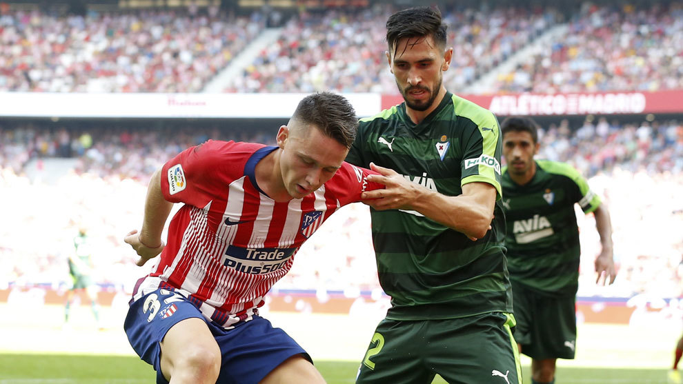 Paulo Oliveira en el encuentro que disputó contra el Atlético de...