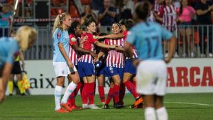 Las jugadoras del Atlético celebran un gol contra el Manchester City.