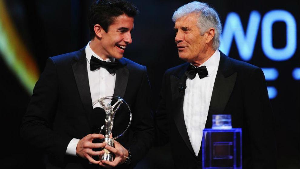 Marc Márquez y Agostini, en unos premios Laureus.