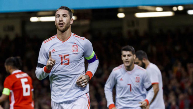 Ramos celebra su gol a Gales.