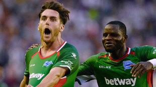 Ibai Gómez celebra un gol con el Alavés.