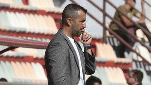 Diego Martínez en un partido con el Granada.