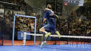 Juan Martín Díaz y Juan Lebrón celebran su victoria en los cuartos...