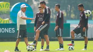 Entrenamiento de la selección mexicana en el CAR