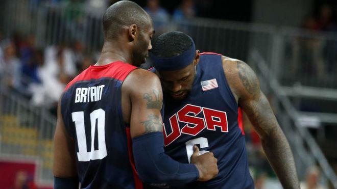 Kobe Bryant y LeBron James, juntos con la selección de Estados Unidos