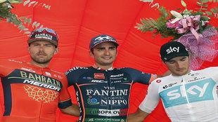 Lobato, vencedor en la Sabatini, junto a Colbrelli y Moscon.