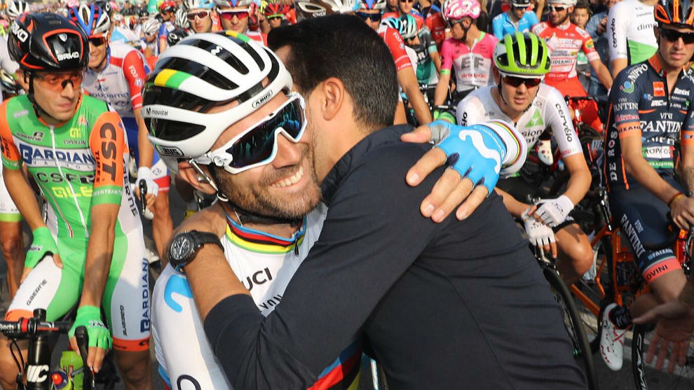 El gran abrazo de Alberto Contador a Alejandro Valverde antes del...