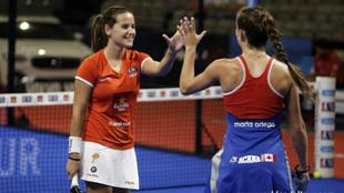 Ariana Sánchez y Marta Ortega se felicitan