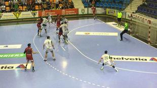 Un momento del partido entre el Anaitasuna y el Huesca