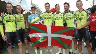 Los componentes del Euskadi-Murias que han ganado la Vuelta a Turquía...