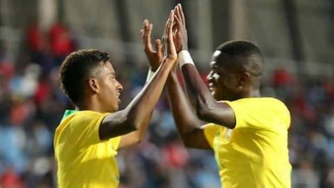 Rodrygo y Vinícius celebran el gol ante Chile