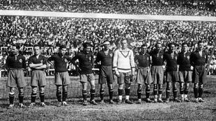 La selección española, antes de su partido contra Inglaterra,...
