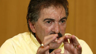 Ricardo La Volpe, entrenador argentino.