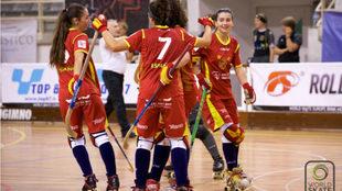 Las jugadoras españolas celebran un gol durante un torneo