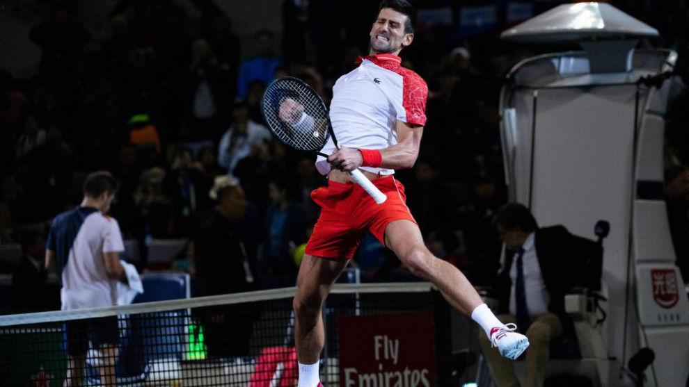 Djokovic salta tras su victoria en Shangái