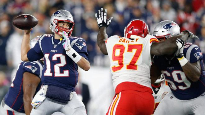 Brady durante el juego ante los Chiefs de Kansas City.
