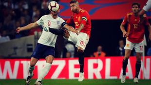 Sergio Ramos, el defensa más goleador de España, marcó ante Gales...