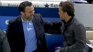 Sergio González y Rubi se saludan antes del Espanyol - Levante de la...