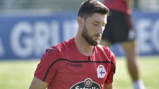Borja Valle en un entrenamiento con el Deportivo de La Coruña.