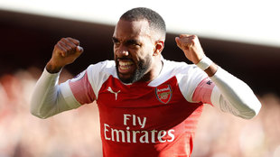 Alexandre Lacazette celebra un gol con el Arsenal esta temporada.