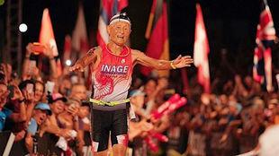 El japonés Hiromu Inada llega a meta en el Ironman de Hawai