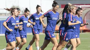 Las jugadoras del Atlético de Madrid durante un entrenamiento.
