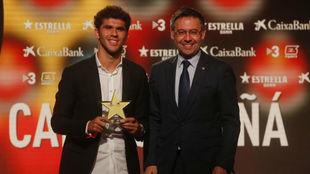 Aleñà junto a Bartomeu, en la gala de la Federación Catalana.