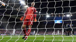 Neuer lamentando uno de los goles de Francia.